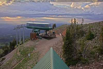 Fred's Mountain Summit Camera with four views that rotate every 30 seconds